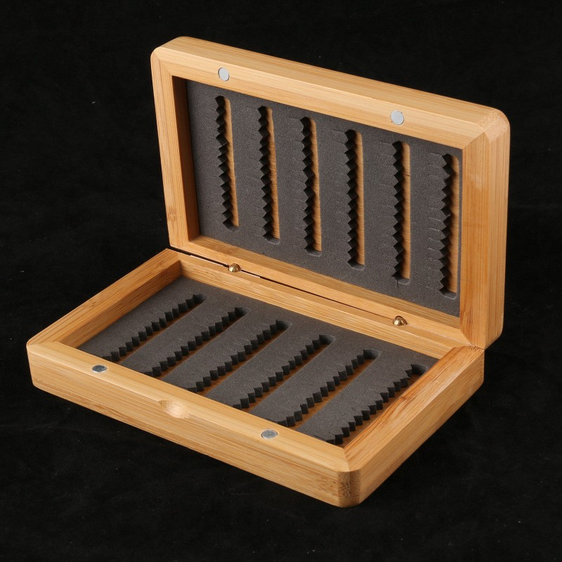 High Quality 140X90X33mm AZ02 Natural Bamboo Fly Fishing Box with Slit foam Insert Wooden Fly Box Flies Storage