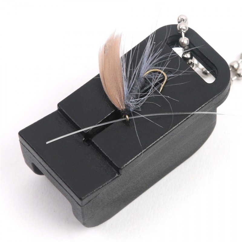 Maxcatch Lightweight Fly Fishing Magnetic Tippet Threader High Density Plastic Fly Fishing Accessories with Zinger Retractor
